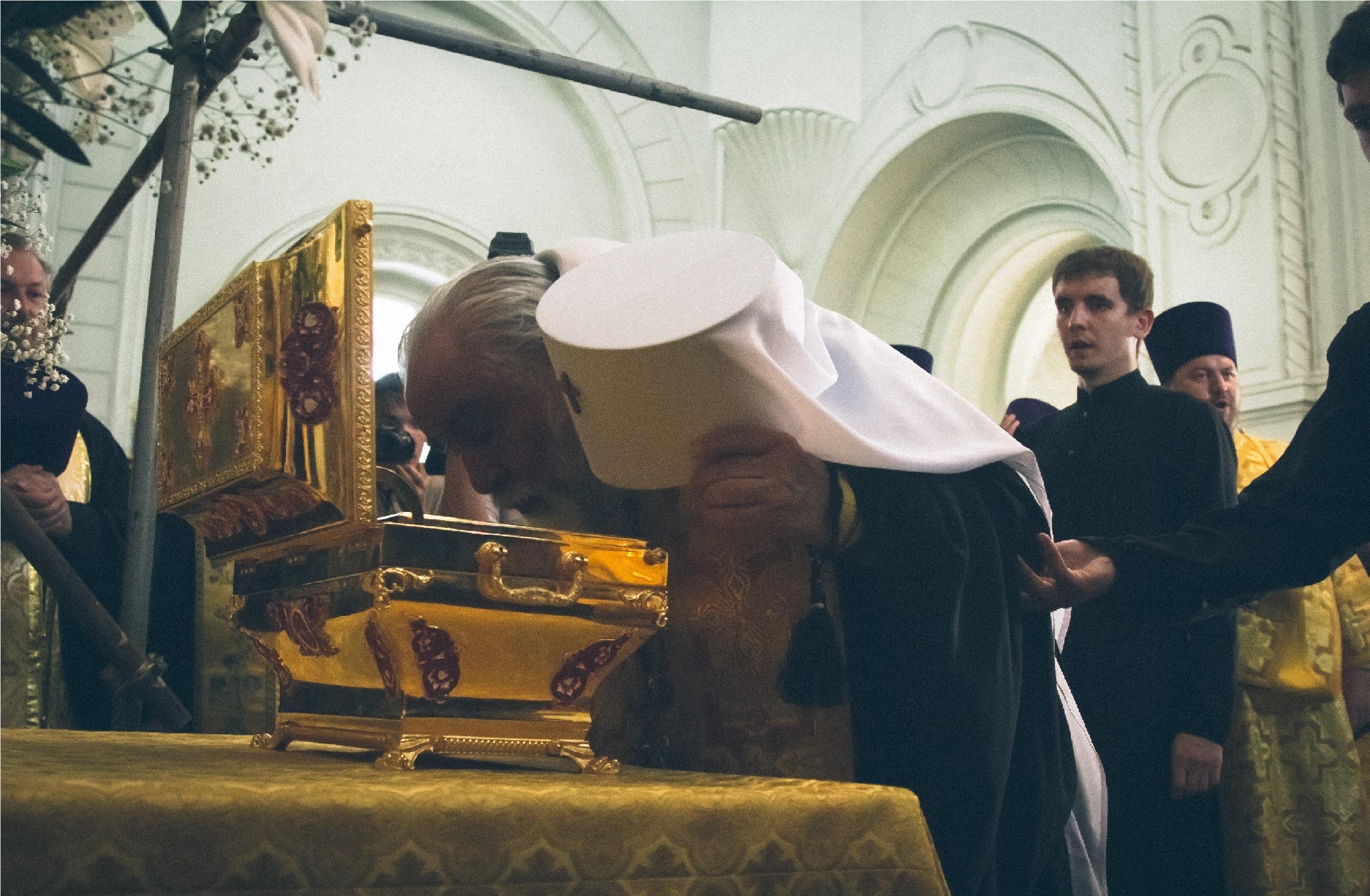 Более 3 тысяч астраханцев поклонились мощам князя Владимира