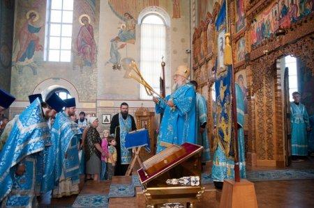 Престольный праздник в храме Федоровской иконы Божьей Матери.