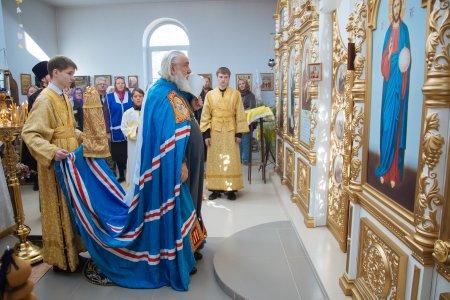В Астрахани молятся о погибших в авиакатастрофе