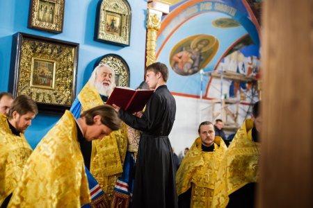 Владыка Иона возглавил служение акафиста святителю Иосифу