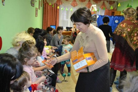 Социальный отдел Успенского собора посетил Кризисный центр помощи женщинам в Астрахани