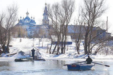 Губернатор Астраханской области посетил новый храм в селе Ильинка