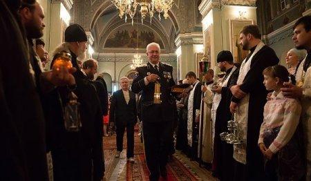 В Астраханскую епархию на Пасху доставят благодатный огонь