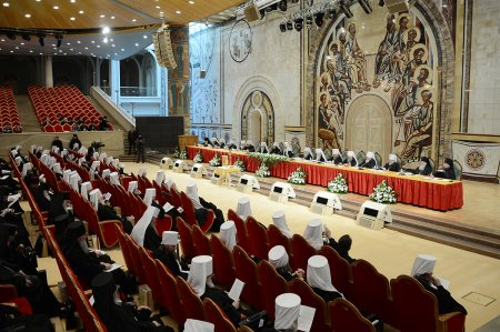 Митрополит Иона принимает участие в Архиерейском Соборе