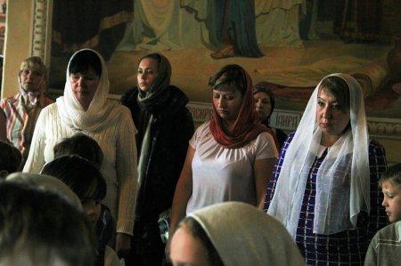 В Никольском надвратном храме Кремля совершена Божественная литургия