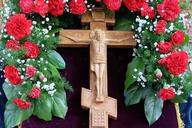 Архиерейские богослужения в праздник Воздвижения Честного и Животворящего Креста Господня