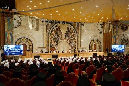 При участии Предстоятелей и гостей из Поместных Православных Церквей состоялось заключительное заседание Архиерейского Собора Русской Православной Церкви