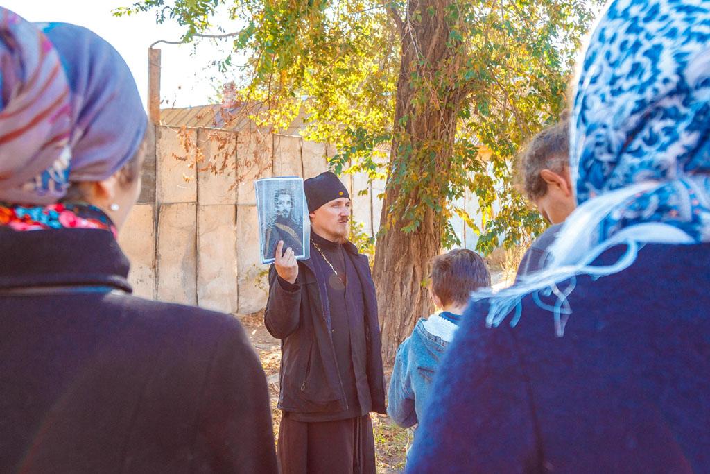 """Воспитанники Центра """"БоголепЪ"""" совершили пешее паломничество по местам памяти новомучеников Астраханских"""