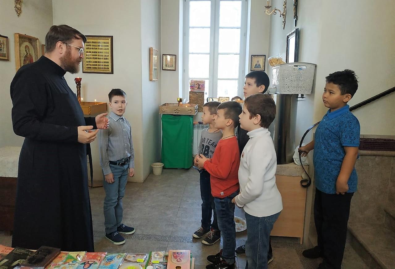 Открылась школа юных алтарников