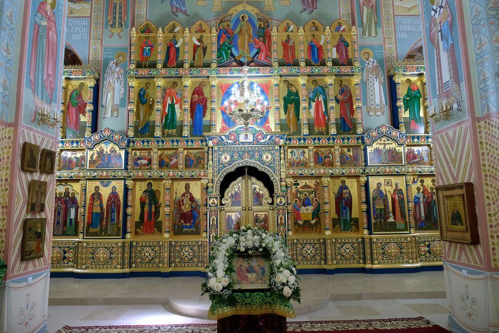 В микрорайоне Бабаевского состоялась торжественная церемония открытия храма Святой Живоначальной Троицы