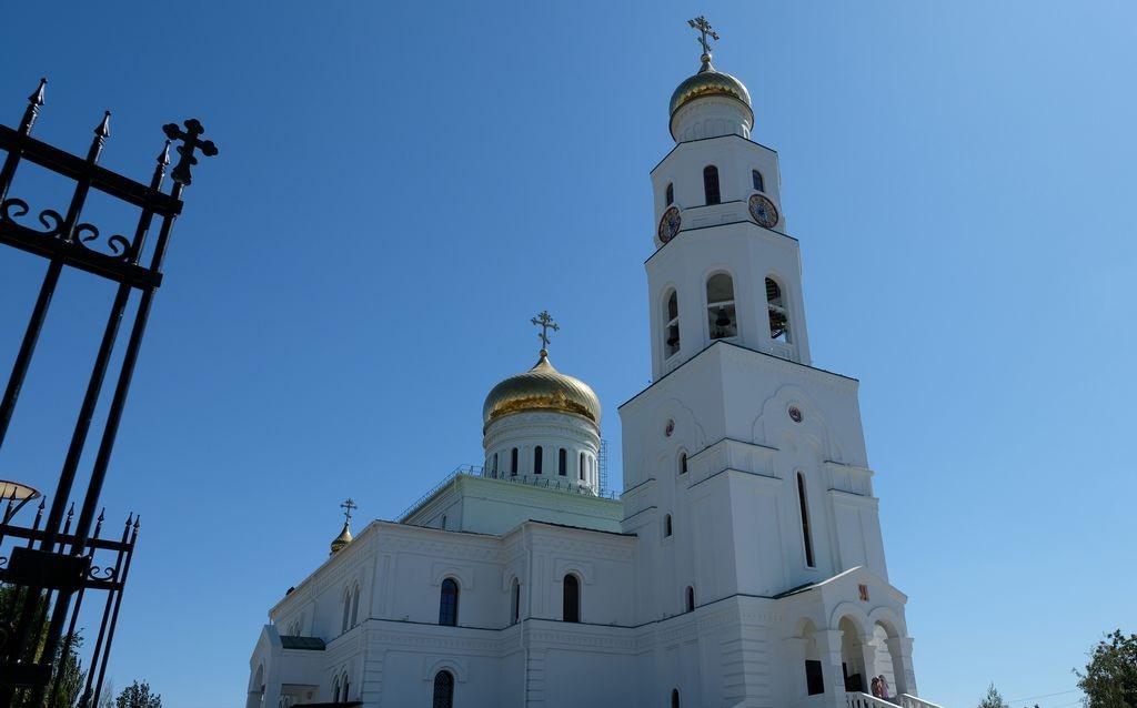 Видеосюжет государственной телерадиокомпании «Лотос»: «В Астрахани открылся новый храм Святой Живоначальной Троицы»