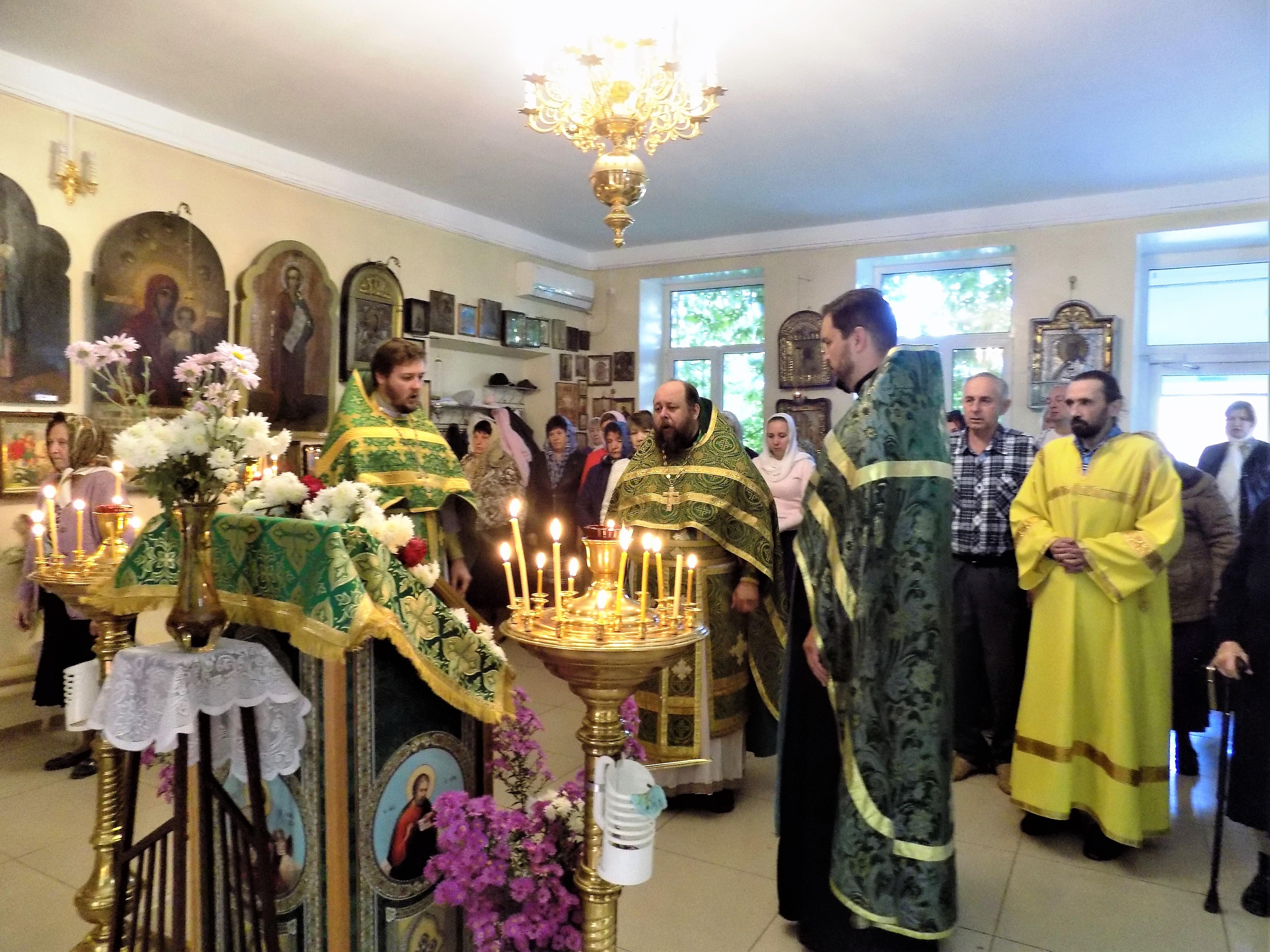 Престольный праздник в храме преподобного Сергия Радонежского в селе Оранжереи