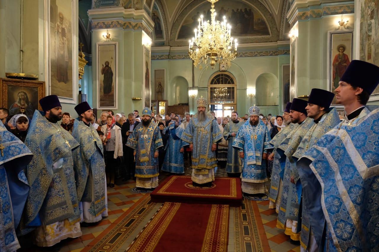 14 октября 2019 года община собора Покрова Божией Матери г. Астрахани встретила престольный праздник