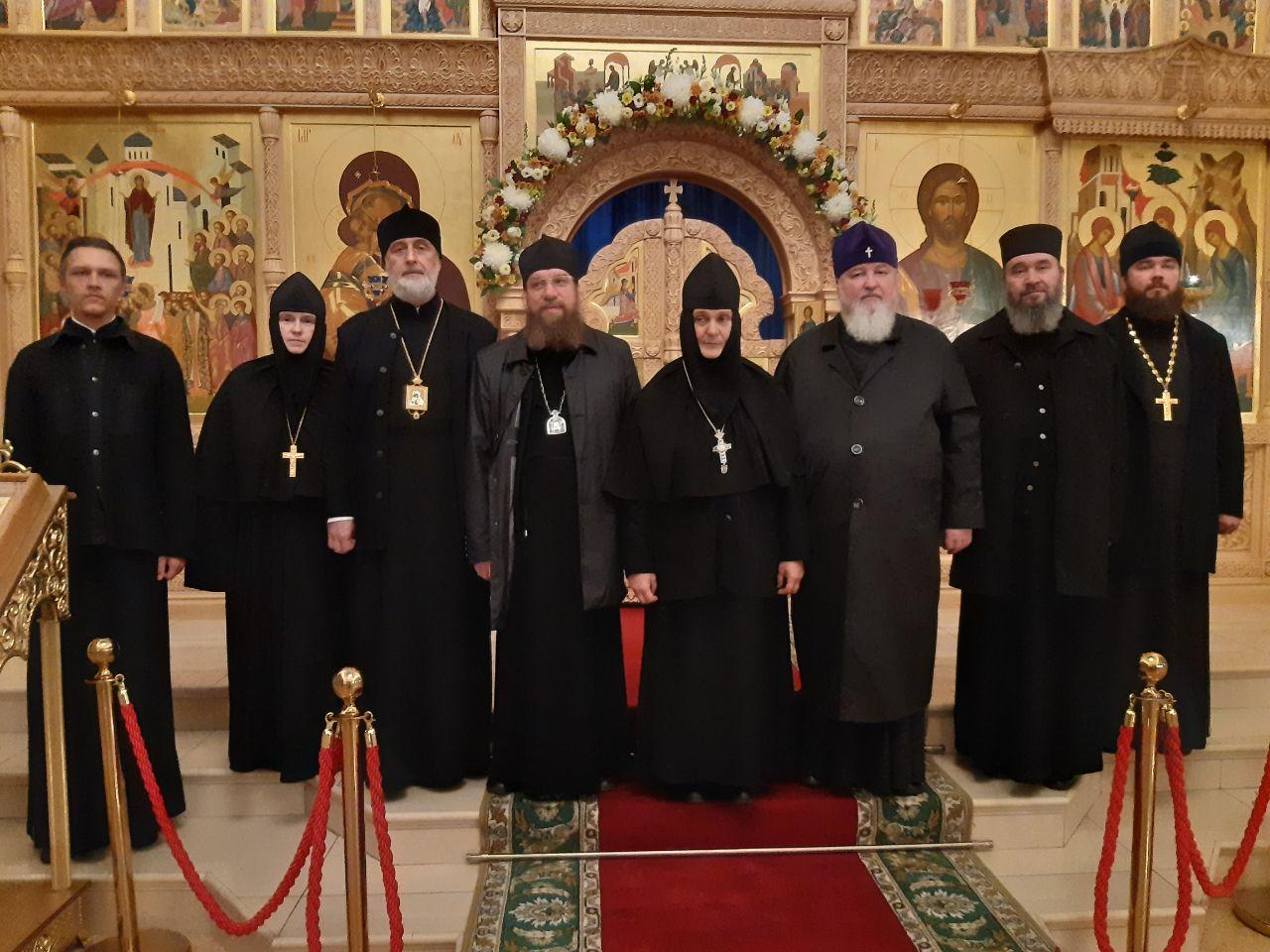 Митрополит Никон посетил монастыри Ростовской епархии