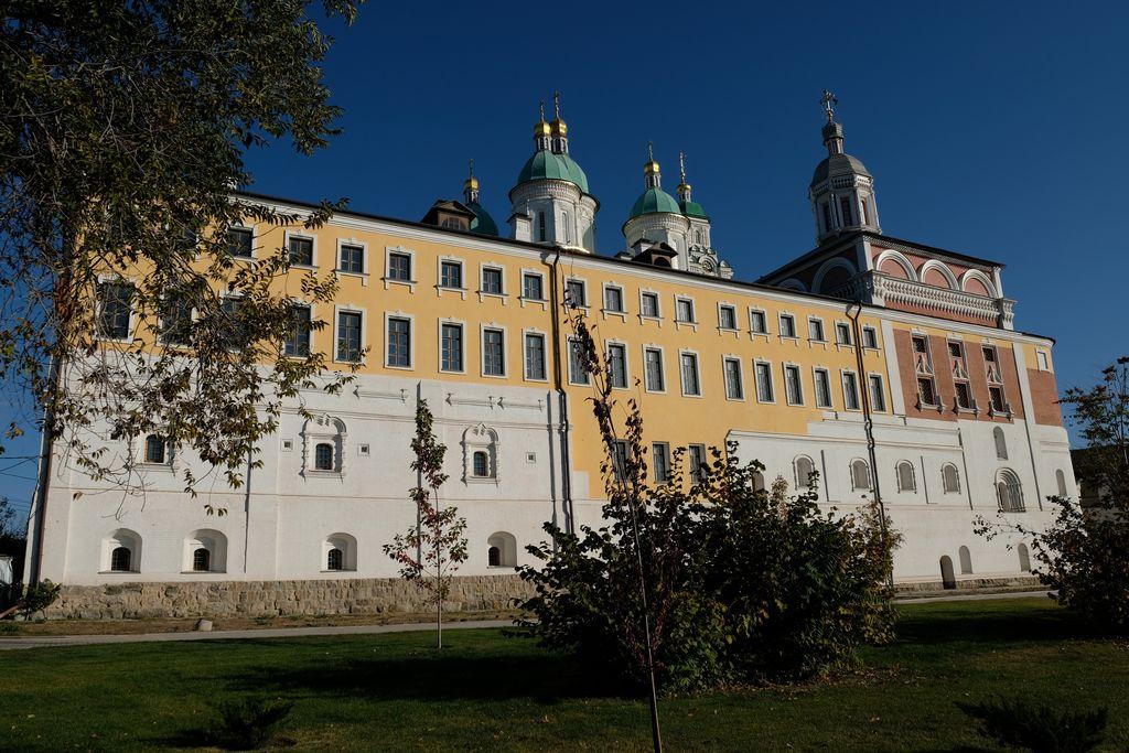 Первая литургия в домовом храме Архиерейских палат Астраханского кремля