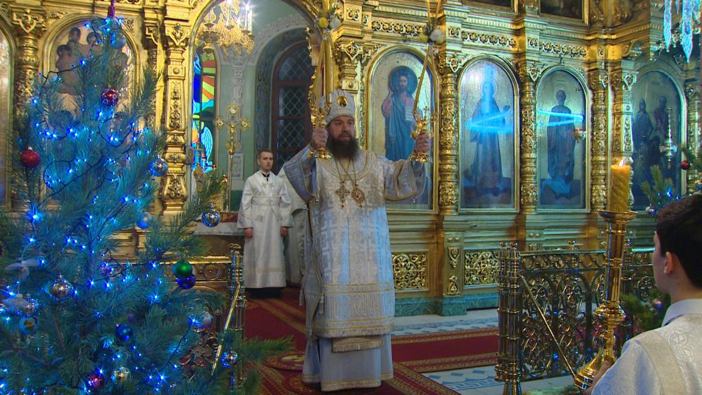 Видеосюжет государственной телерадиокомпании «Лотос»: православные астраханцы встретили Рождество Христово