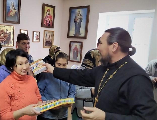 Поздравление с Рождеством Христовым насельников Старо-Волжского психоневрологического интерната