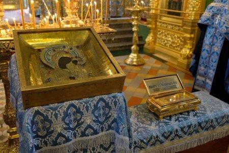 Святыни из Свято-Успенского Вышенского монастыря в Астрахани