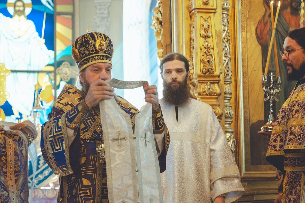 Митрополит Никон совершил иерейскую хиротонию
