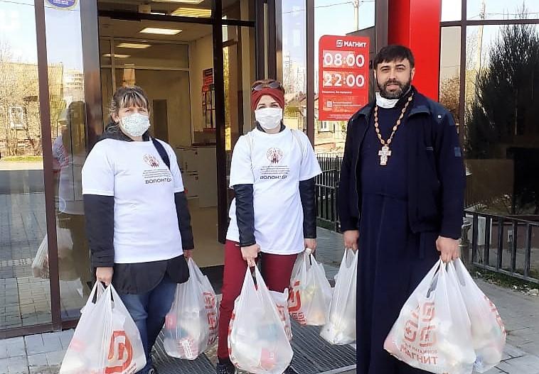 Астраханская епархия продолжает оказывать социальную помощь астраханцам, находящимся в трудной жизненной ситуации